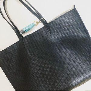 Handbags - LARGE navy tote NWT